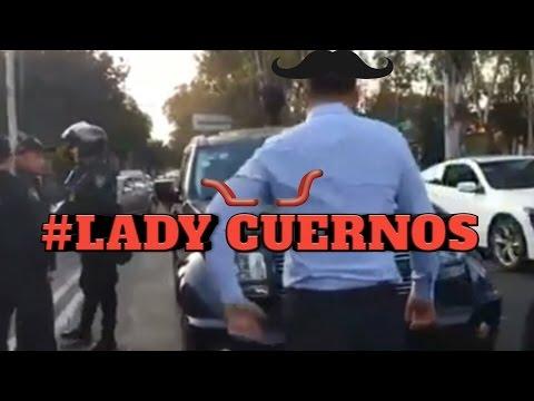 Mujer Engaña a su Marido / Lady Cuernos
