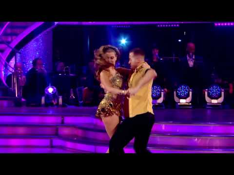 Holly Valance & Artem Chigvintsev - Cha Cha Cha - Strictly Come Dancing 2011 - Week1
