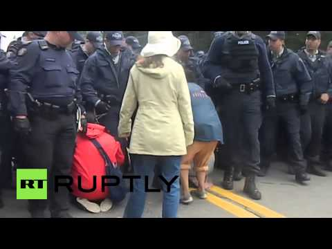 Canada: Anti-fracking protest turns violent