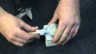Монтаж бытового счетчика газа СГ 1Сгон, контргайка, муфта(, 2013-12-10T03:52:33.000Z)