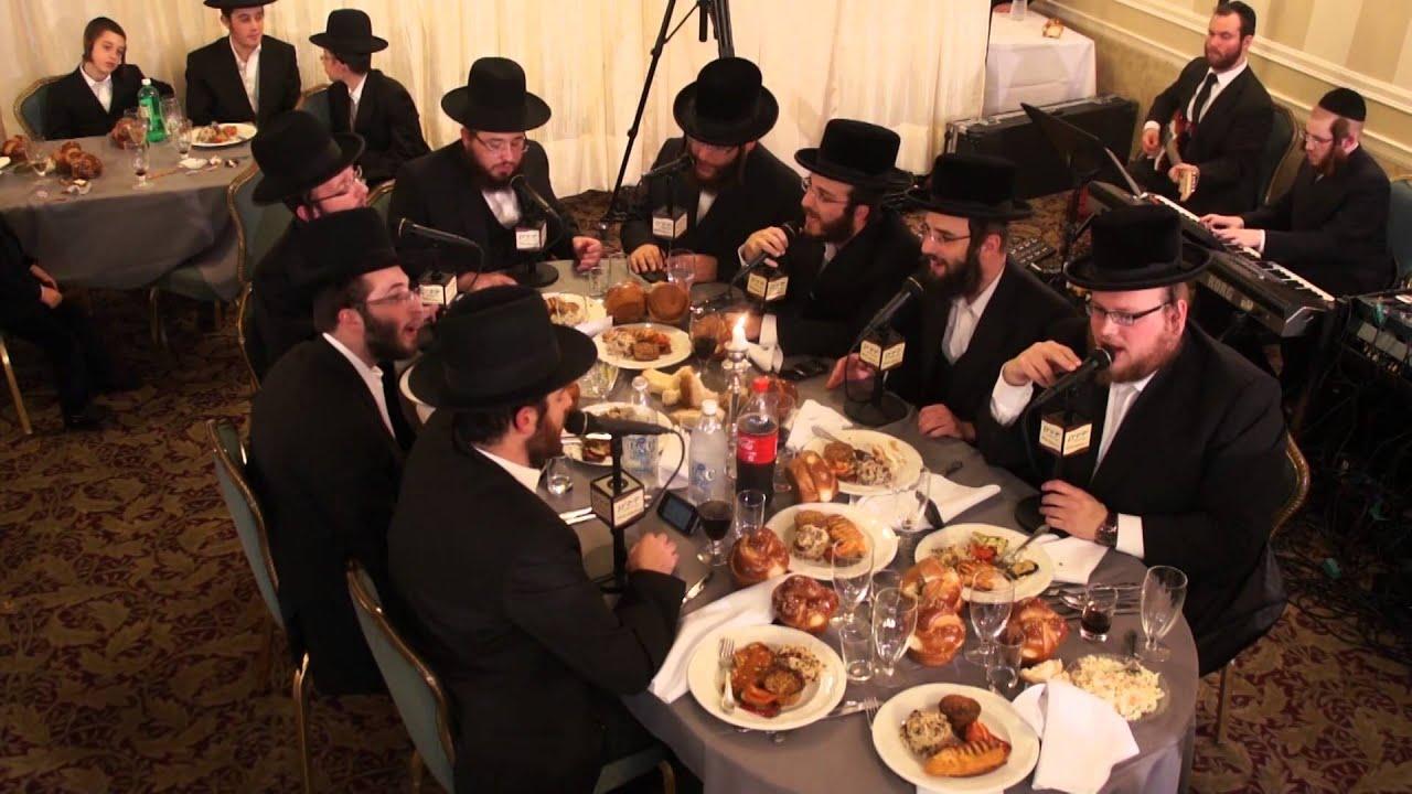 Menachem Moskowitz & Yedidim Choir - Omnom