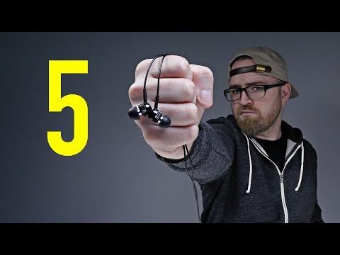 5 Reasons Earphones Are Better Than Headphones