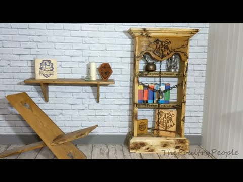 A Harry Potter Bookcase - DIY Pallet Furniture Projects