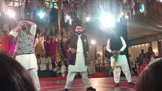 Chaiyan chaiyan dance cover by Shahbaz, Asim and salman from karachy vynz