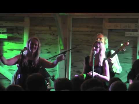 Hallelujah (Leonard Cohen/Jeff Buckley) Eve Selis and Band with Lisa Redford