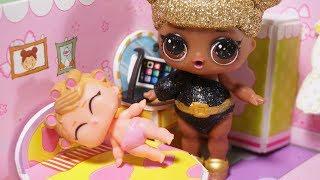 LOL Sürpriz Bebekler Türkçe - Lil Sisters Hasta Oluyor Doktor Niloya LOL Bebek Muayenesi Video