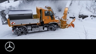 The Unimog   an indispensable helper – Mercedes Benz original