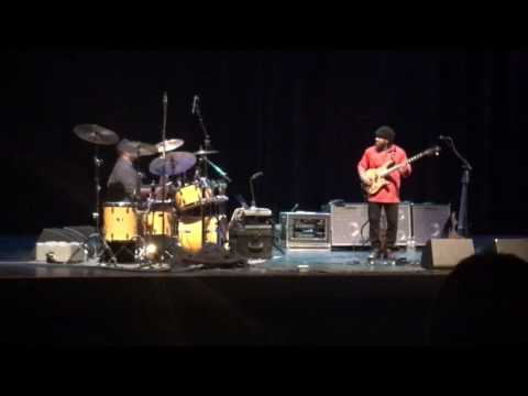 Victor Wooten and Dennis Chambers - old school covers medley