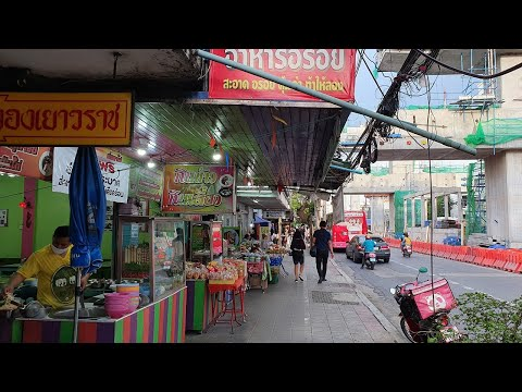 [4K] Bangkok City Evening Walk | Street Food Stalls And Local Market