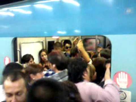Metro santiago hora punta