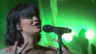 Rihanna - Love On The Brain (Live at Billboard Music Awards 2016) HD