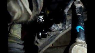 Замена стоек и втулок переднего стабилизатора на автомобиле Ниссан Примера Р12