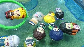きめつのやいば炭治郎とプールで人形すくい!煉