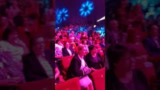Смотреть видео Международный форум FABERLIC 2019 в Москва президент  Алексей Нечаев поздравляет новых директоров онлайн
