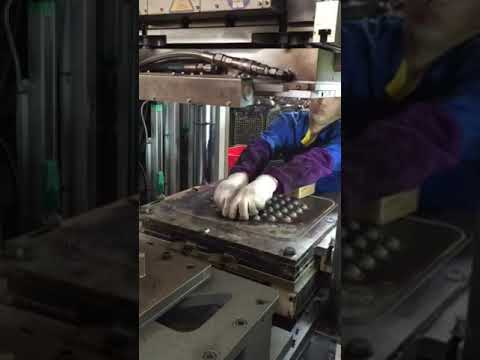 Rubber injection machine to make rubber stopper