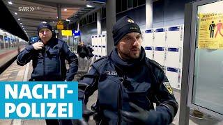 Nachtschicht der Polizei am Freiburger Bahnhof