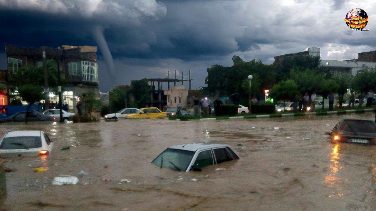 Seluruh Kota Seketika Porak Poranda Diterjang Banjir dan Tornado Dahsyat// Peristiwa Alam Mengerikan