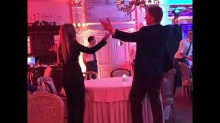 Дмитрий Песков станцевал на дне рождения Татьяны Навки с дочерью Елизаветой