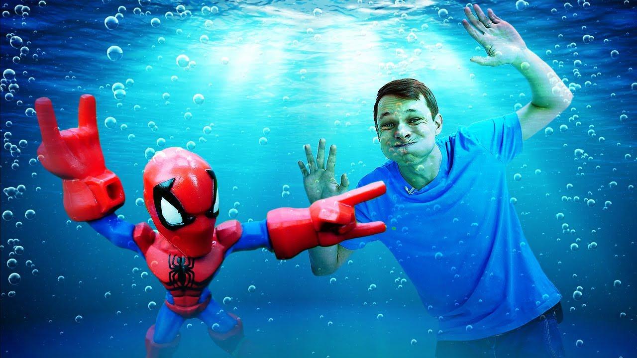 Видео игры - Человек Паук на водных соревнованиях! Супергерои и Трансформеры в Автомастерской.
