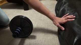 筋力がない女性でも簡単にできる初心者向け腹筋ローラーのやり方 thumbnail
