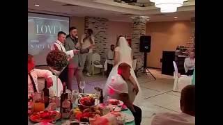 Битва за букет невесты