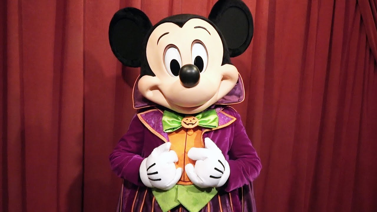 We meet talking mickey mouse in costume at mickeys not so scary we meet talking mickey mouse in costume at mickeys not so scary halloween party 2017 new look m4hsunfo