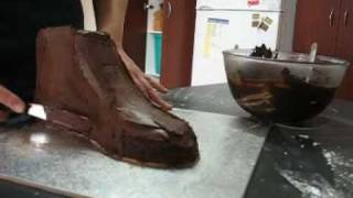 How to carve and ganache a sports shoe out of cake www.how2cakes.com
