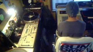 DJ KUSAKANMURI on the MPC60II