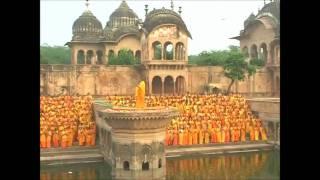 Shree Radhey Radhey Govinda Radhey - Kirtan with Jagadguru Shree Kripalu Ji Maharaj