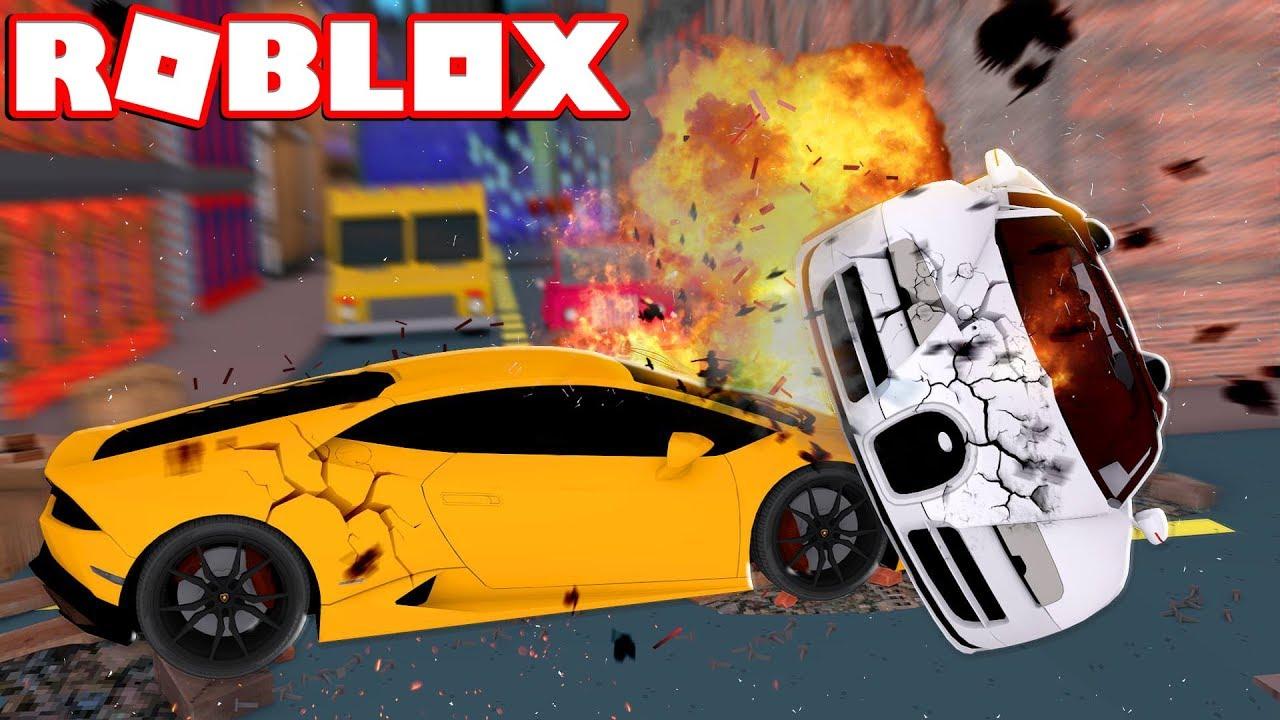 CAR CRASH SIMULATOR IN ROBLOX! - YouTube