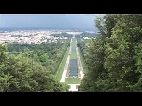 Reggia di caserta giardini e cascata youtube - Immagini di giardini di villette ...