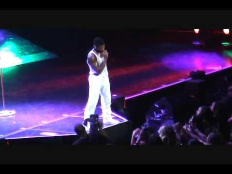 """Usher OMG Tour """"Love 'Em All""""  Live in Houston"""