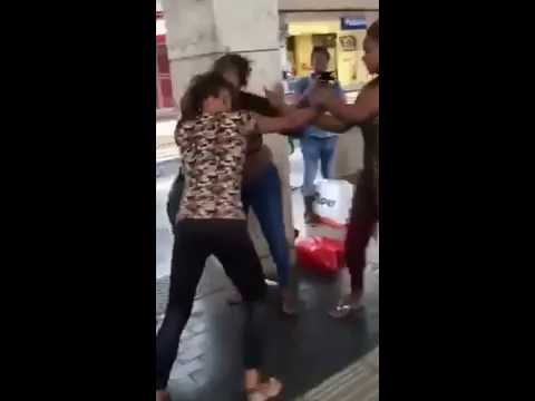 naked girls fight