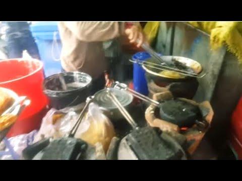 Cambodian Street Food - Boeung Kengkong Market - Foods And People Activities
