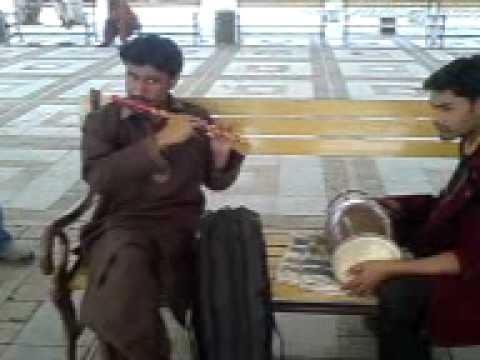 ABDULLAH--FLUTE WADA RAHA+MAINU YAADAN TERIAN AT LAKE VIEW PARK DURING PUNJAB COLEGE TRIP 2010