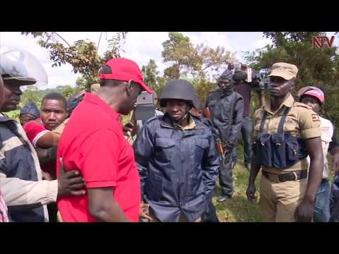 Police arrest Besigye from home
