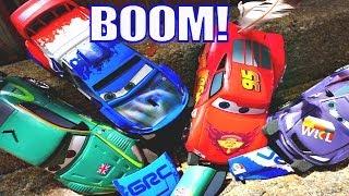 CARS 2 RING of FIRE Stunt Lightning Mcqueen Crashing Disney Pixar Launching Car Toys