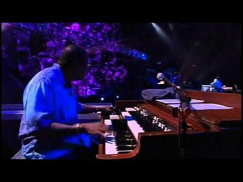 Eric Clapton - Wonderful Tonight [Live].avi