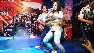 "Video Uut Selly ""Bojo Galak"" HOT Goyangane live depok sleman download MP3, 3GP, MP4, WEBM, AVI, FLV September 2018"