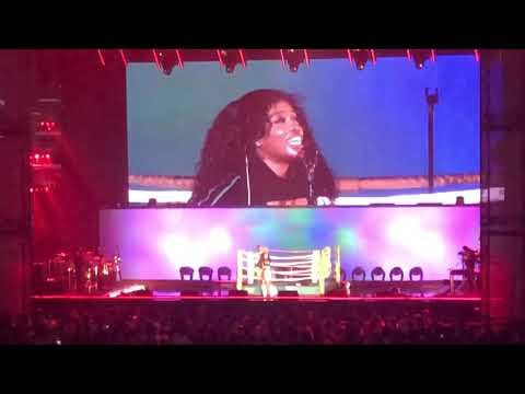 SZA - Love Galore + The Weekend (Live @ Rogers Arena, Vancouver, BC on May 4, 2018)
