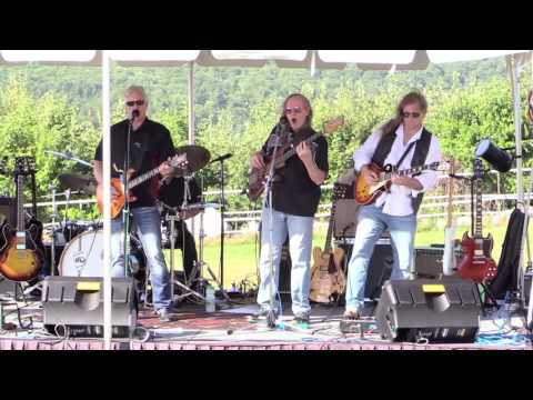 Bruce Marshall & The Nor'Easters at Lake View In