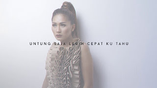 Gambar cover Tata Janeeta - Penipu Hati [Official Video Lirik]