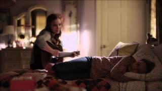 Nashville - Lennon and Maisy Stella (Maddie & Daphne) Sing Ho Hey