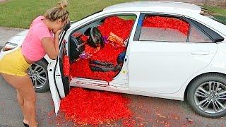 HOT CHEETOS AND TAKIS CAR PRANK!!!