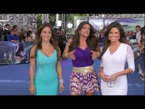 Jackie Guerrido 2011/07/21 Primer Impacto HD; Blue dress, cleavage thumbnail