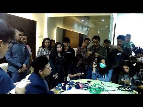 Fahri Hamzah: Pak Jokowi Bisa Kena jika tak hentikan Skandal Korupsi di KPK