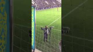 Английский оператор станцевал во время матча Казахстан (U-21) - Англия (U-21)