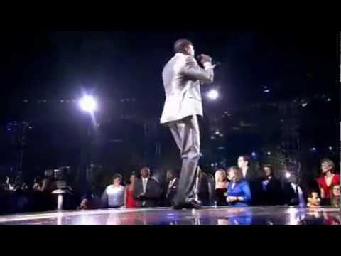 AKON_S HITLAB NEWS- Watch Akon And David Guetta - Sexy Chick Live At The World Music Awards 2010.flv