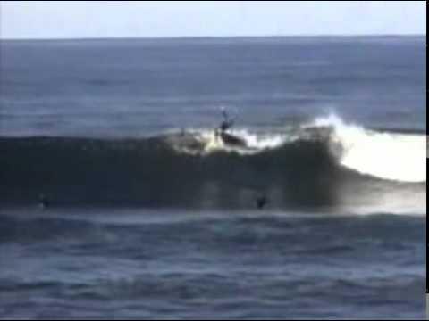 Download Sem Corte e Sem Censura - Tubarões atacam surfista.