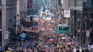 Protest against coronavirus curbs draws crowds in Berlin